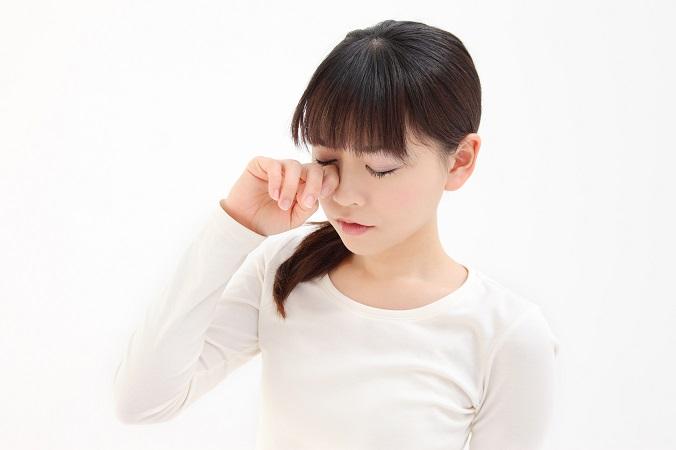 目がかすむ時って何が原因なの?