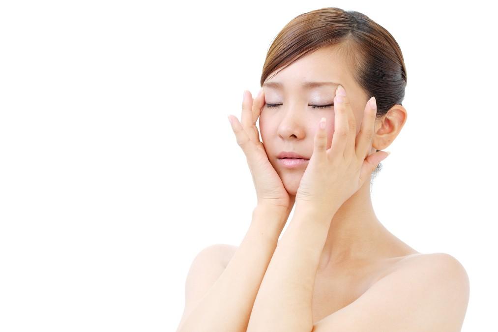 目指せ肌トラブルのない普通肌!肌質を改善する2つの方法