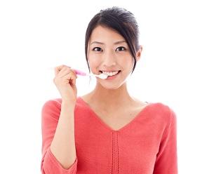重曹で歯を白くする方法!賛否両論ある理由とは