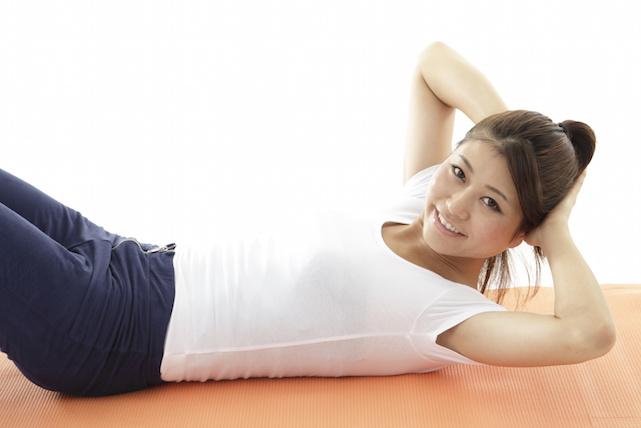 くびれの作り方 簡単!寝ながらできる方法