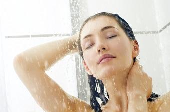 シャキッとする塩シャンプーで頭皮も髪も健康になる!