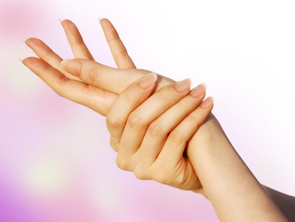 疲労を感じた時にすぐできる「手」のツボ押しマッサージ