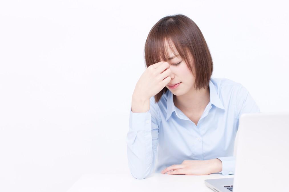 頬の吹き出物(ニキビ)が発生する5つの原因と改善する方法