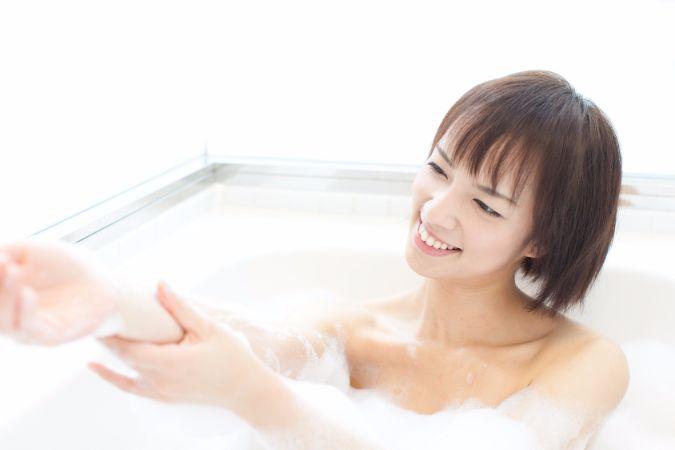 女性に増えている「チョコレート嚢腫」の症状や治療法について