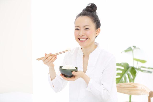 健康的に痩せるなら「もち麦ダイエット」でヤセ菌を増やしましょう!