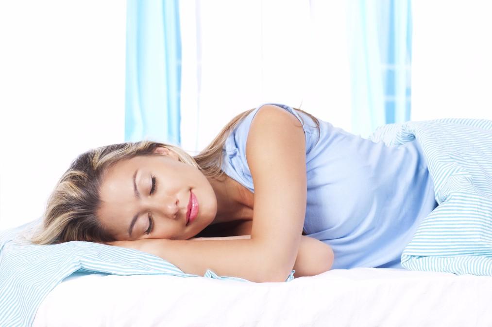 継続的な睡魔に襲われる、妊娠初期の眠気の原因と対処法5つ