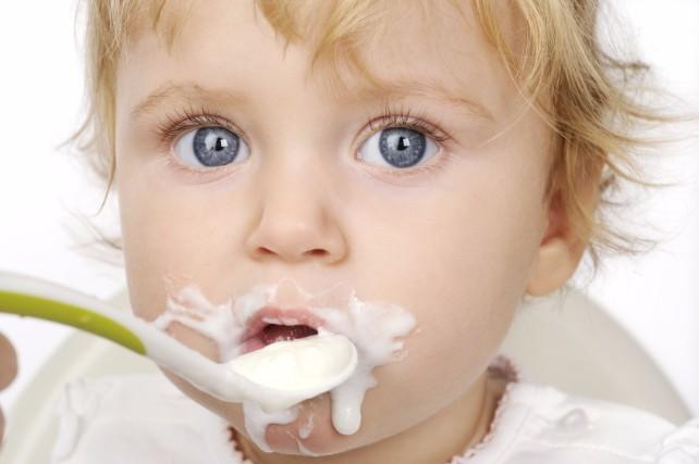 3回食はいつから?9ヶ月目の離乳食の進め方やポイントを徹底解説