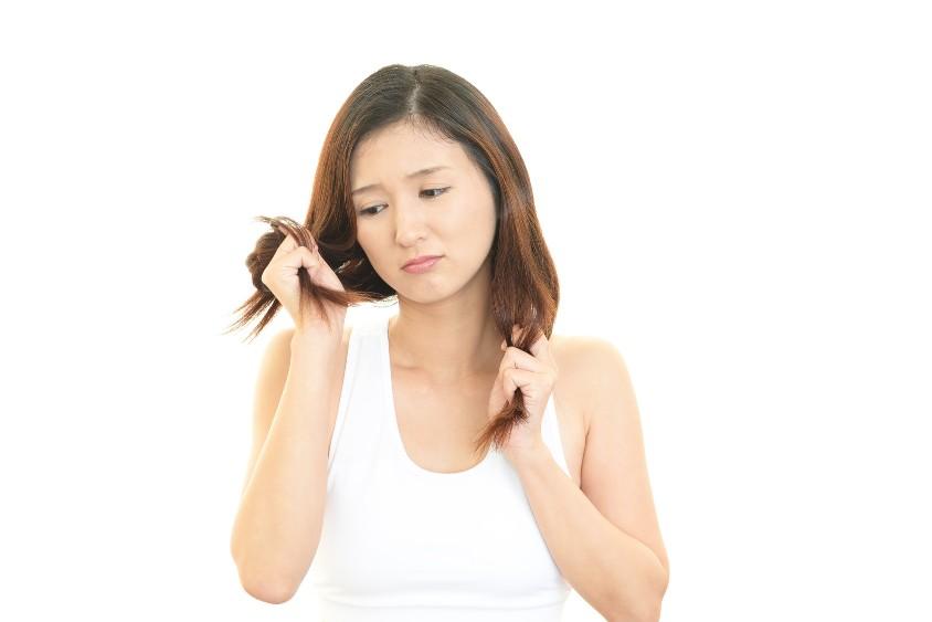 髪の毛の傷みをカバーしてくれる人気のトリートメント5選