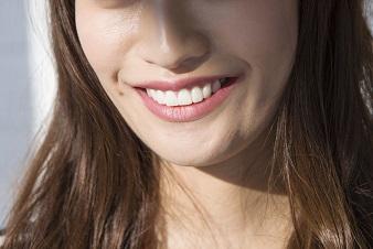 鼻の下のウブ毛、美人女子の処理の方法