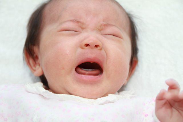 全てのママさんに告ぐ!赤ちゃんが泣き止まない原因5つと対処法