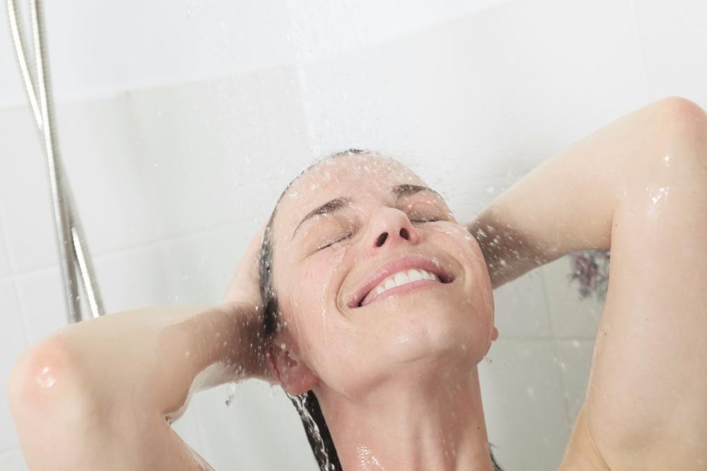 ヘアトラブルをぐっと減らす、髪が痛まないドライヤーの使い方