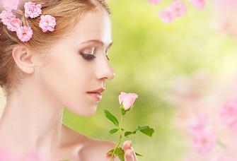 美しさが溢れる、バラエキスで若返る