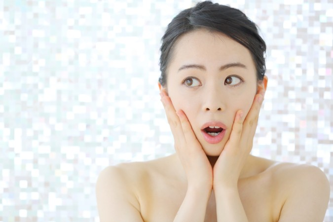 老け顔を作る「おでこのシワ」を消す方法