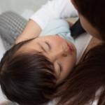 新生児を育児中の女性を襲う「抜け毛」。産後脱毛を予防する方法