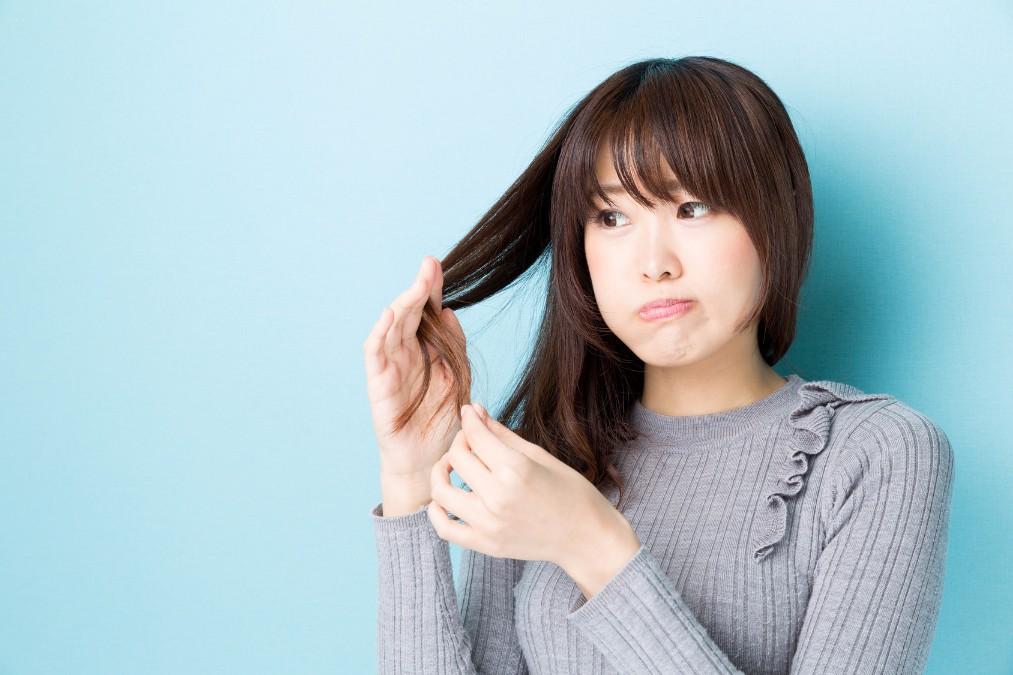 ストレスの原因にもなる「髪のうねり」を改善する5つの方法