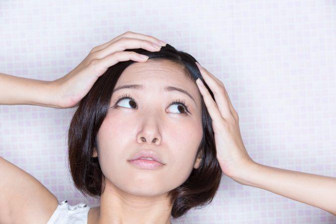 人相が悪い方必見!眉間のシワを簡単に消すテクニック