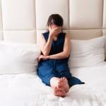 朝起きたら布団がぐっしょり!寝汗がひどい時の4つの原因