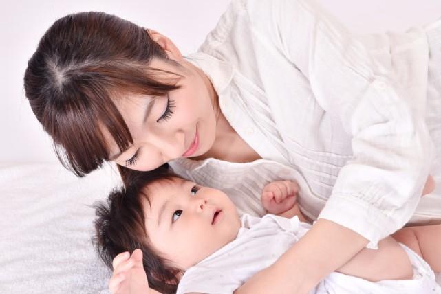 静寂を破る赤ちゃんの夜泣き!時期と原因、対処法について解説中