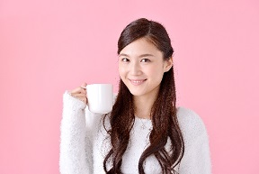 セレブが愛飲の紅茶キノコ(コンブチャ)の効能とおいしい作り方