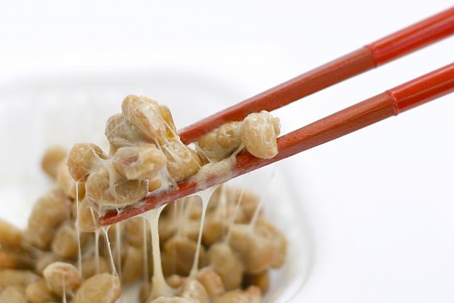 若い女性でも骨粗しょう症に 食事で予防する方法